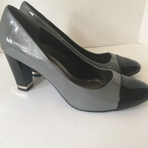 Gray and Black patent leather heels 💋